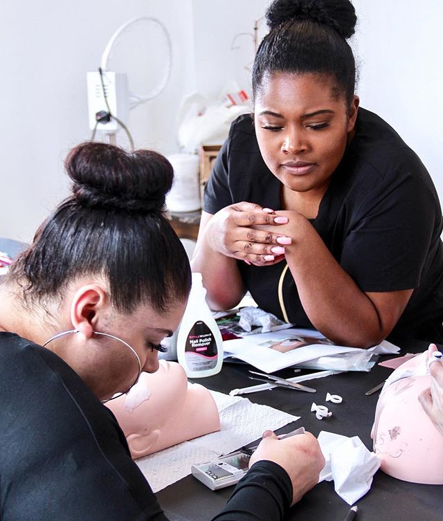 Eyelash Extension Training available at Dockerys Brow Bar.__Hands on, quality Training by Master Las