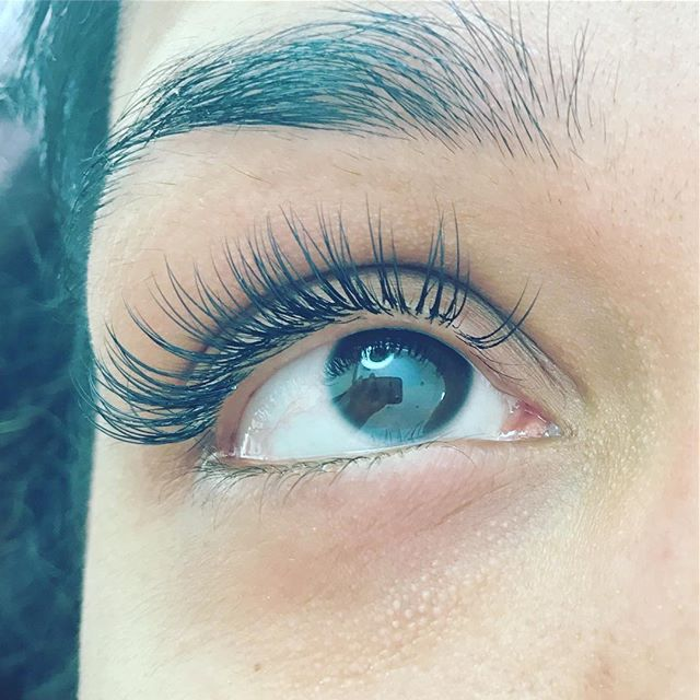 Individual Eyelash Extensions Natural Set_C curl