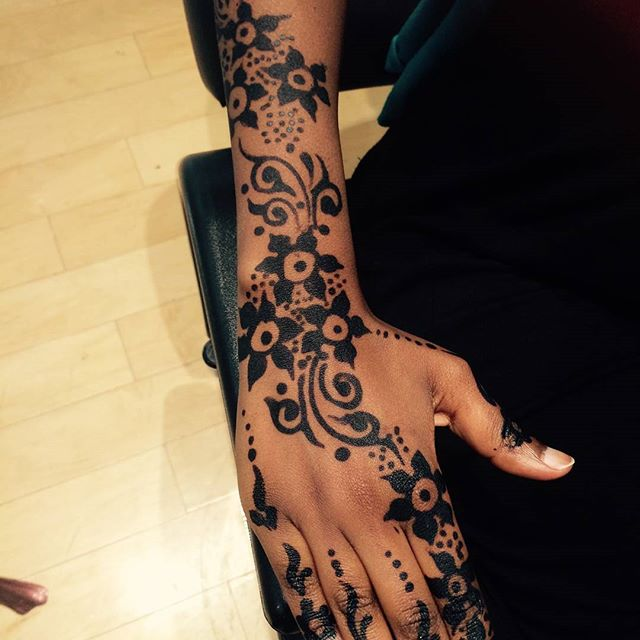 #hennainnewjersey #hennanj #henna available at Dockery's Brow Bar