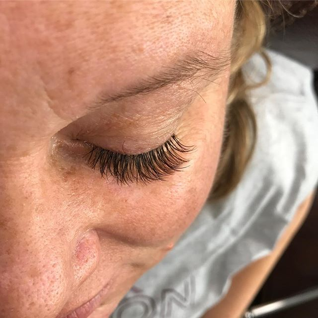 BROWN VOLUME lashes done at Dockerys Bro