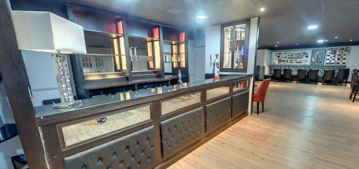 OPTION TO HIRE A PRIVATE BAR