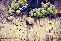Italian wine and green grapes