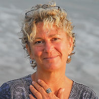 Kristi Nelson Headshot.jpg