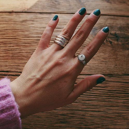 white buffalo turquoise ring 6.5