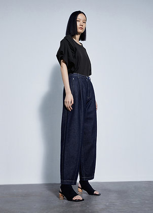 Wide leg slouchy mom jeans
