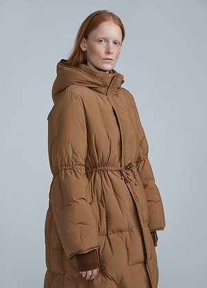 Waisted puffer coat