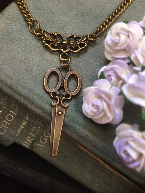 Vintage Scissors Necklace Bronze