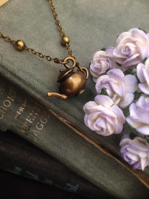 Vintage Teapot Necklace Bronze