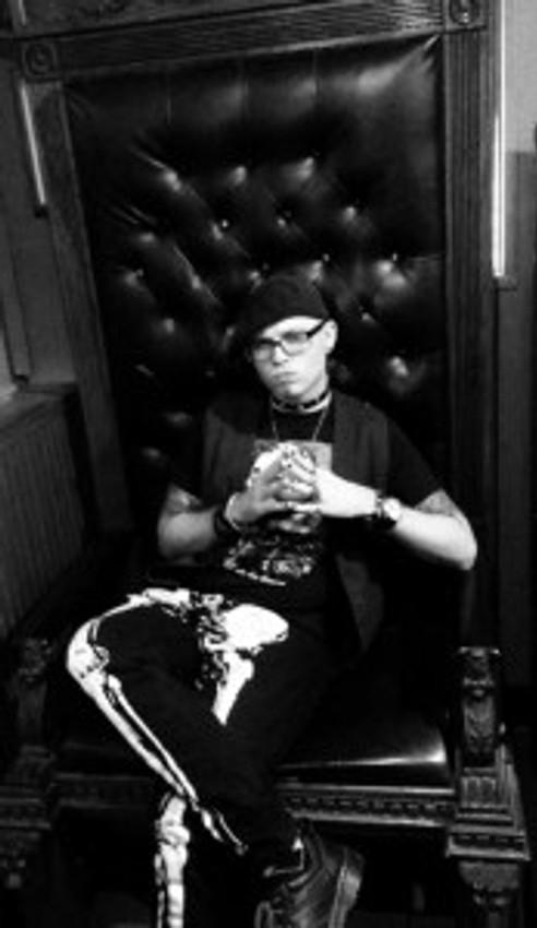 Jay Throne