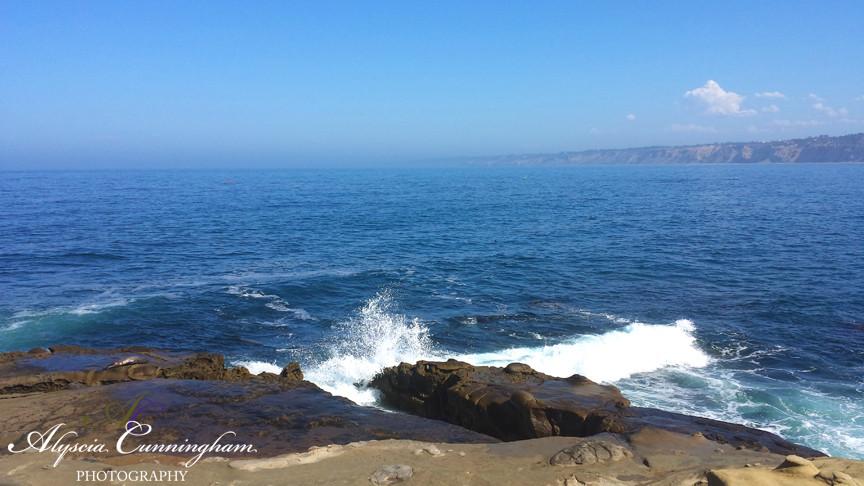 Alyscia takes photos of La Jolla Cove in San Diego, CA