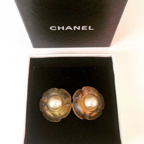 CHANEL Lucite Flower Pearl Clips