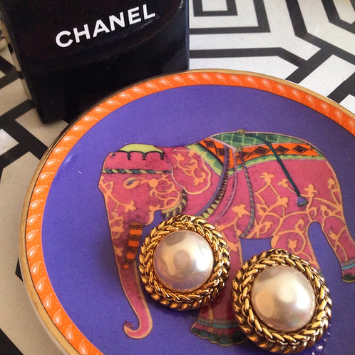 Chanel Pearl Earings