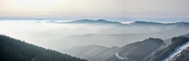 Česká příroda v mlze, panorama