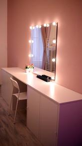 makeuptable.jpg