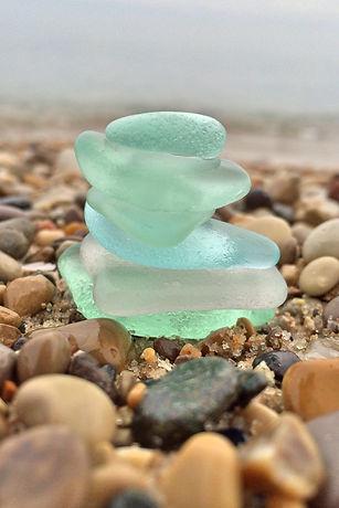 beach-glass-666816_1920.jpg