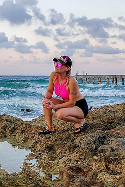 Aurora_wetsuits_ambassador_Lori_Quarles_Female_diver_divemaster_dive_shop_manager