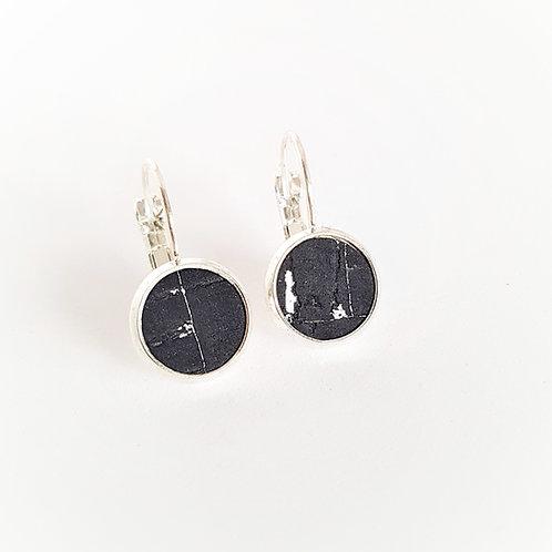 Ohrhänger – Kork schwarz mit silber Einschlüsse rund 10 mm Fassung wählbar