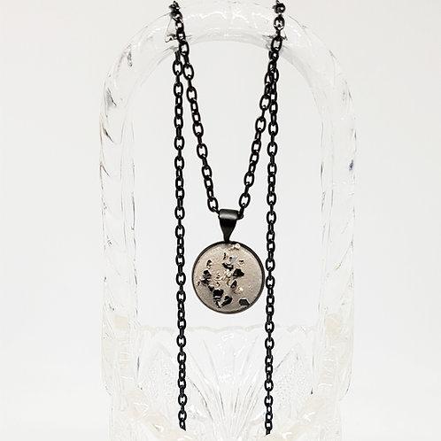 Kette schwarz – rund Beton mit Glassplitter 12 mm Handmade Betonschmuck