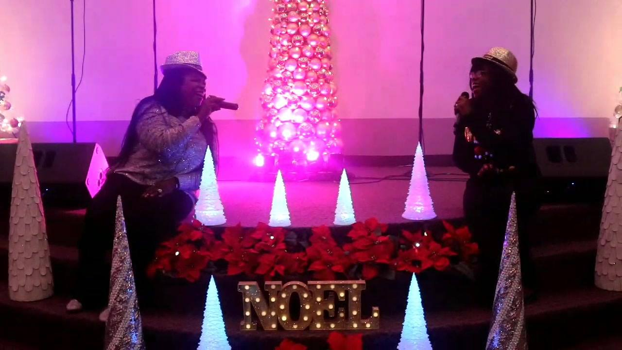 """All about Last night """"Joyful Noise"""" Christmas Carol Ministering Priscillasings Awoseyi and Praise2life/Bose in a duet RCCG Christ Church Edmonton Rccgna"""