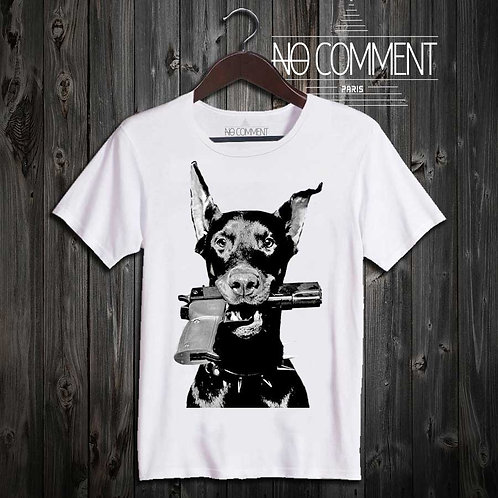 T Shirt imprimé dobermann gun DEST13