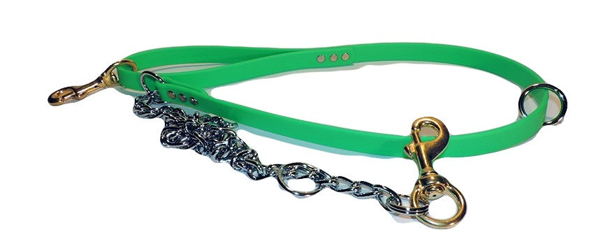 Green Beta 3/4 inch wide dog leash with chain. Floating ring on beta and chain. Solid brass snap in handle and on  chain.