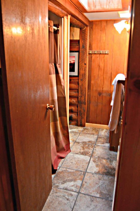 crazyhorsebathroom.jpg