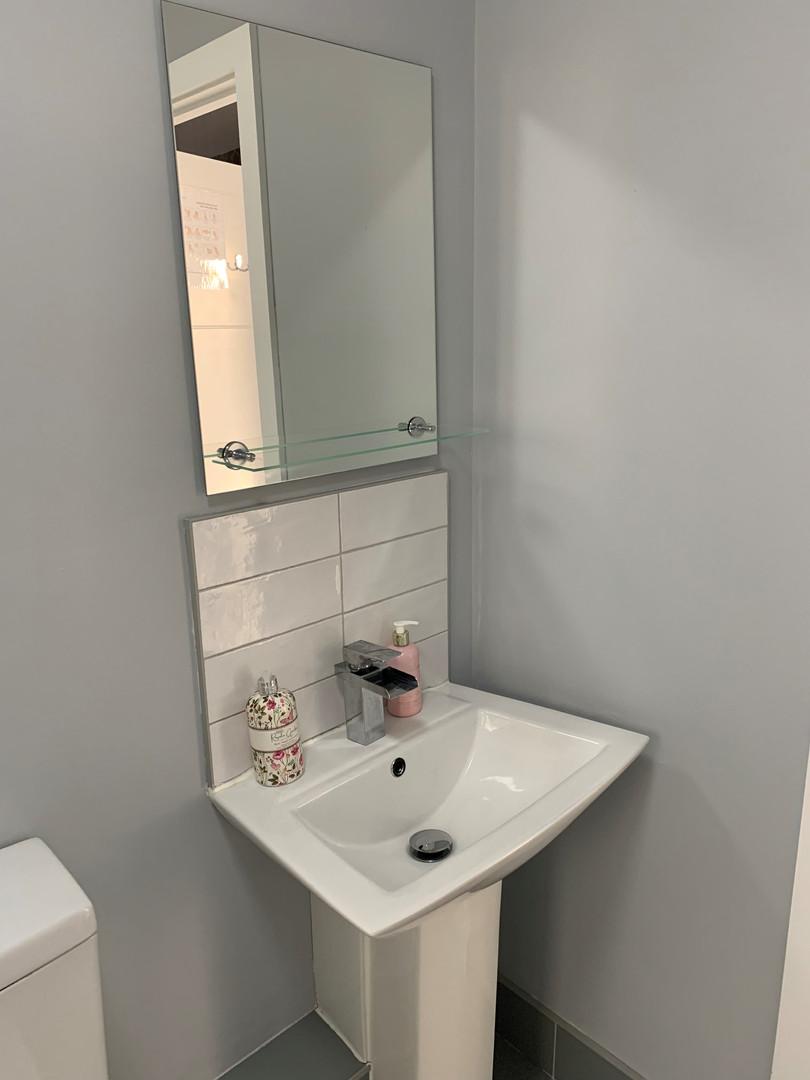 Room 1 bathroom3.jpg