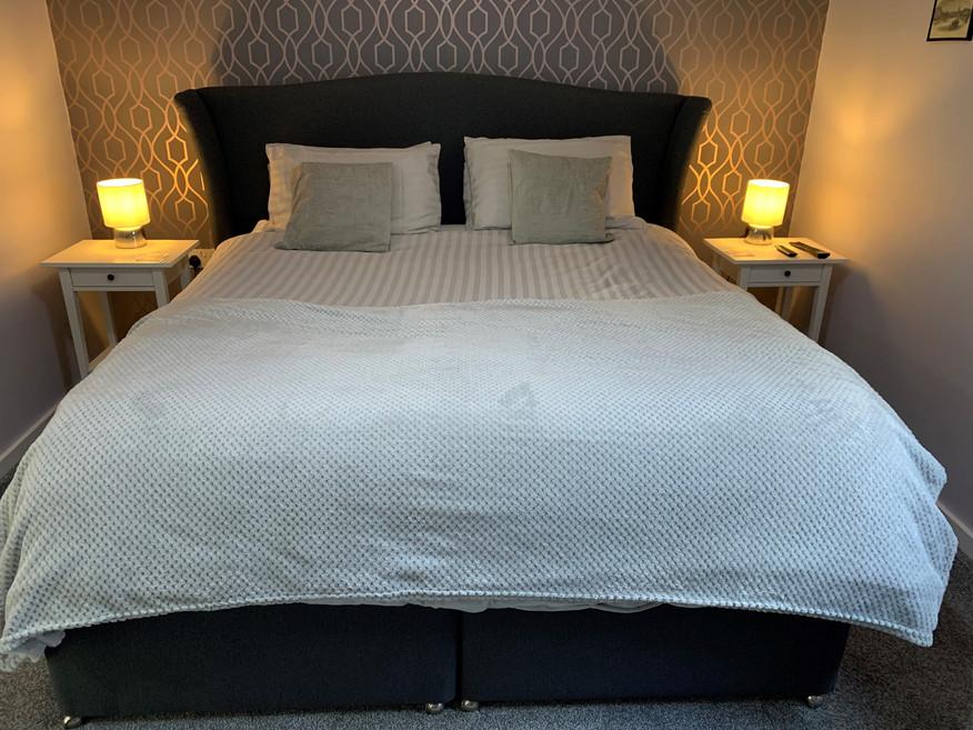 Room 2 bed1.jpg