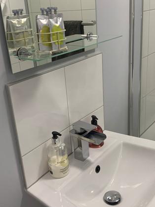 Room 3 bathroom.jpg