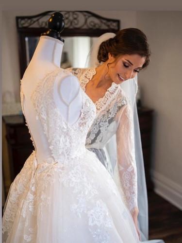 Alegant bridal makeup and hair