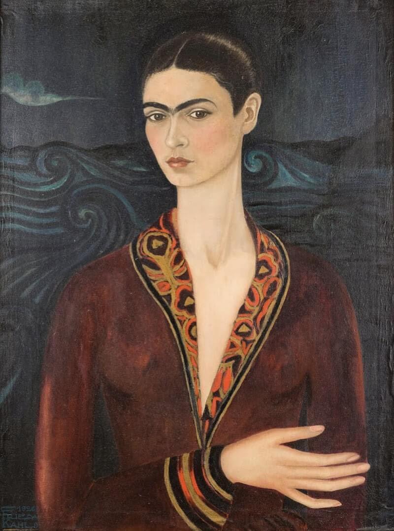 بورتريه ذاتي في فستان مخملي