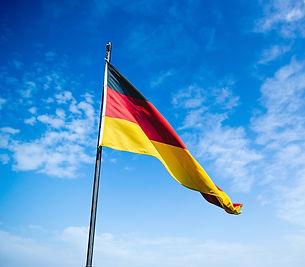dorośli-dzieci-młodzież-przez-internet-szkola-jezykowa-wroclaw-wrocław-warszawa-krakow-kraków-poznan-poznań-lublin-language-school-lodz-łódź-kobieta-skype-szkola-jezykowa-online-lekcje-angielski-niemiecki-lekcje-języków-obcych-lektor-jezyki-języki-opole-częstochowa-czestochowa-firma-biznesowy-szczecin-gdansk-gdańsk-rzeszów-bydgoszcz-katowice-JelenieGóra-ZielonaGóra-Białystok-Zielona-Zoom-nauka-zdalna-debut