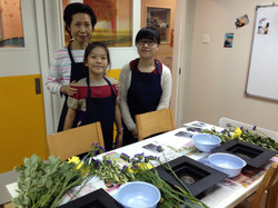 Ms Ando and students
