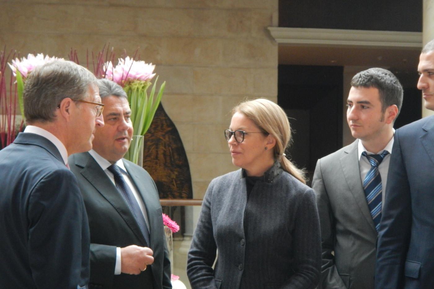Vice Chancellor Sigmar, Ruzica Djindjic and alumni