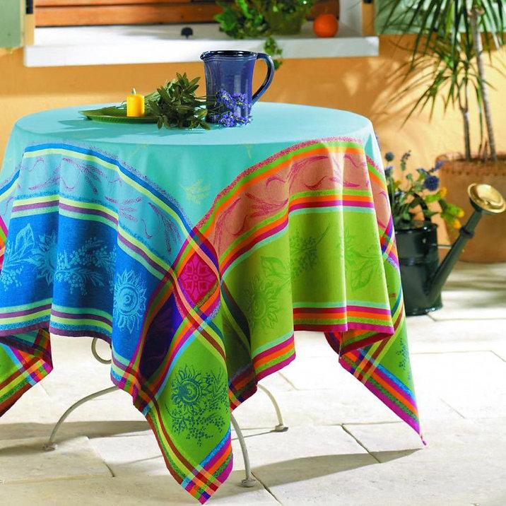 le-cluny-cezanne-blue-jacquard-tableclot
