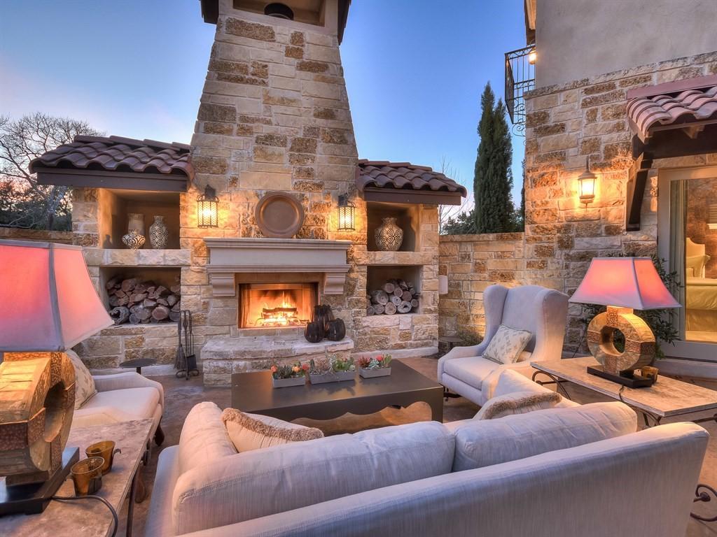 Courtyard Living