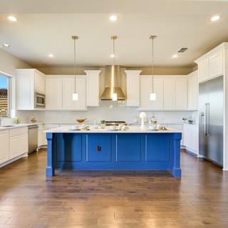 010_Kitchen.jpg