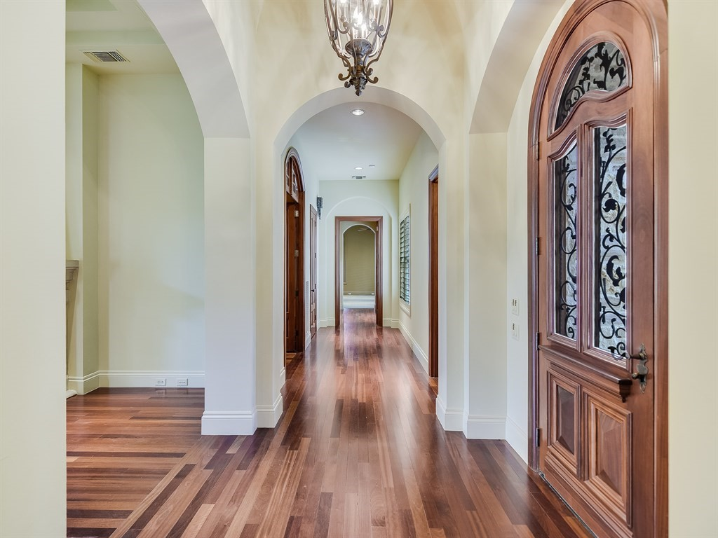 Entry - Hallway to Master