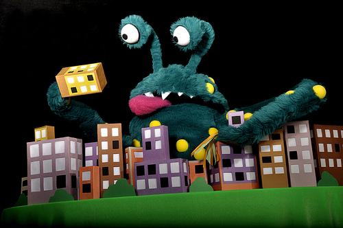 Unraku - Monster