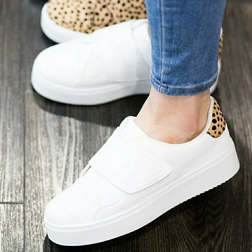 LEOPARD IN WHITE KICKZ SNEAKERS
