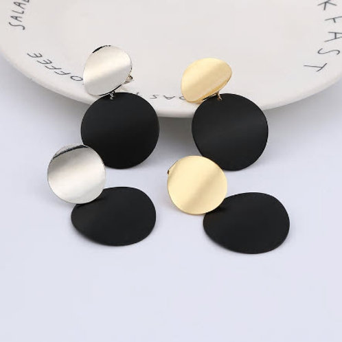 ROUND DISC STATEMENT EAR CLIP EARRINGZ