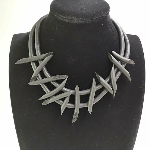 PUNK STYLE SPIKED NECKLACE~LARGE