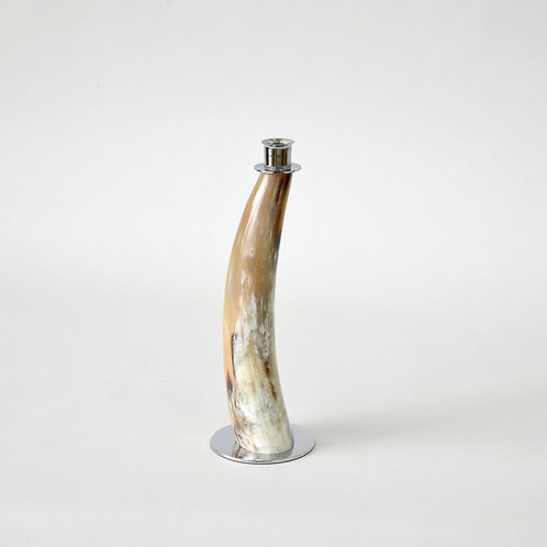 Horn candle stand with metal base - M