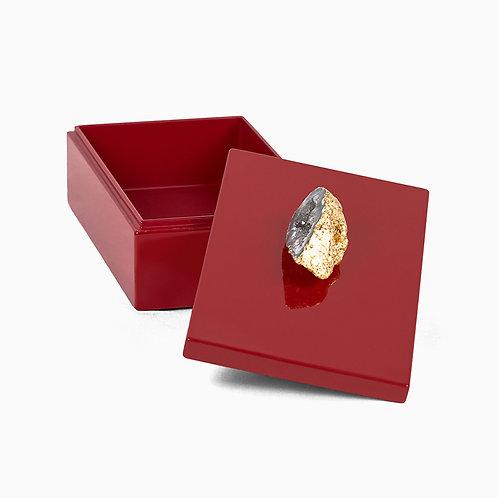 Splendid square lacquer box, red