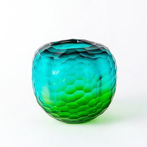 El glass vase