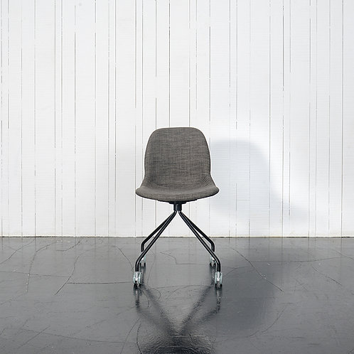 OCTO chair w/ castors, Dark Brown