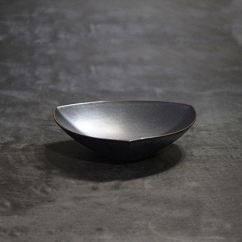 Triangular plate - large