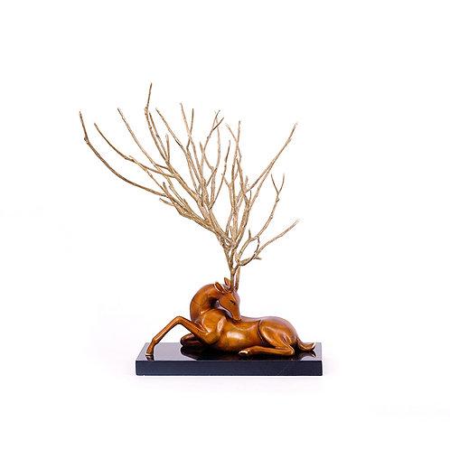 Deer sculpture- sitting