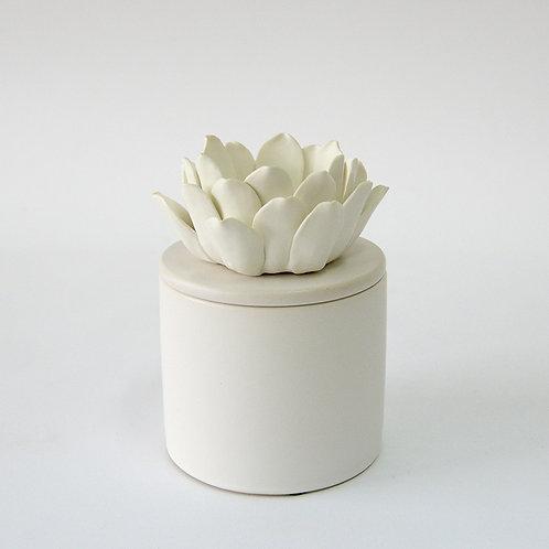 White ceramic jar with flower lid (short)