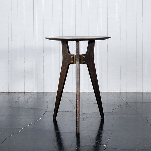 KIRI bar table
